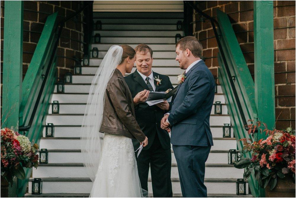 warm-springs-old-dairy-virginia-rustic-wedding-northeast-tennessee-elopement-adventuruous-photographer-katy-sergent_0090.jpg