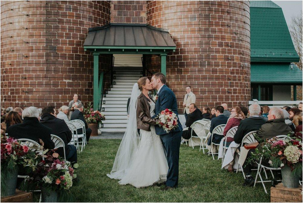 warm-springs-old-dairy-virginia-rustic-wedding-northeast-tennessee-elopement-adventuruous-photographer-katy-sergent_0095.jpg