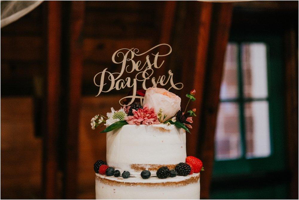 warm-springs-old-dairy-virginia-rustic-wedding-northeast-tennessee-elopement-adventuruous-photographer-katy-sergent_0112.jpg