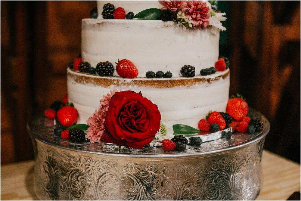 warm-springs-old-dairy-virginia-rustic-wedding-northeast-tennessee-elopement-adventuruous-photographer-katy-sergent_0113.jpg