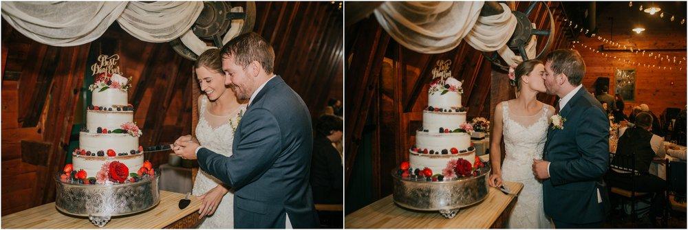 warm-springs-old-dairy-virginia-rustic-wedding-northeast-tennessee-elopement-adventuruous-photographer-katy-sergent_0118.jpg