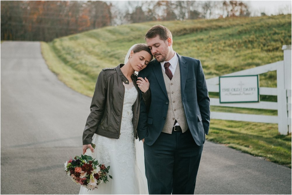 warm-springs-old-dairy-virginia-rustic-wedding-northeast-tennessee-elopement-adventuruous-photographer-katy-sergent_0046.jpg