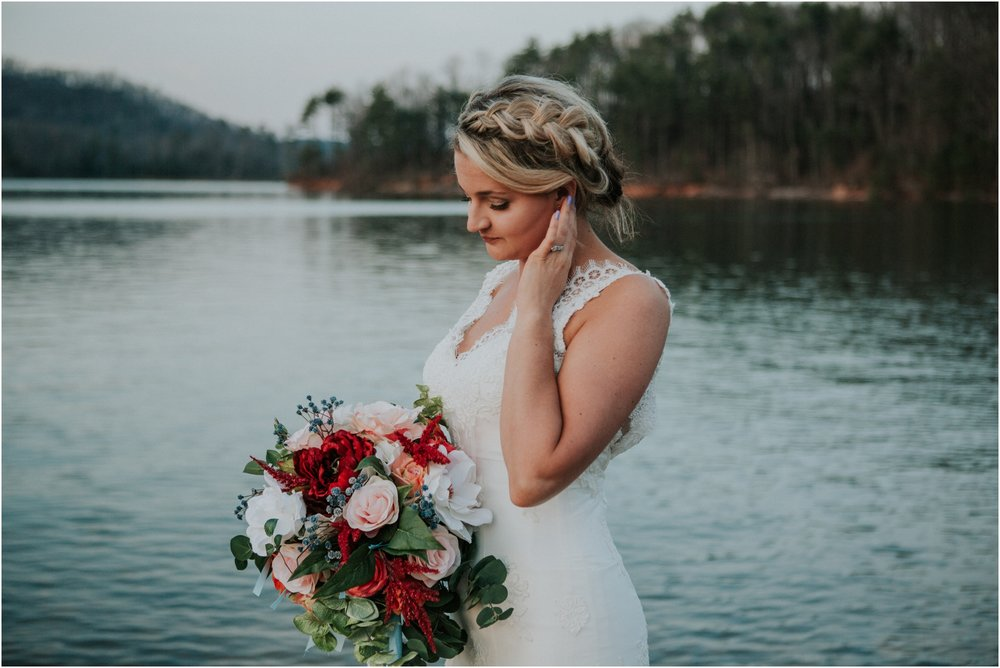 Watauga Lake, TN: Whitney\'s Bohemian Lakeside Styled Bridal Session ...
