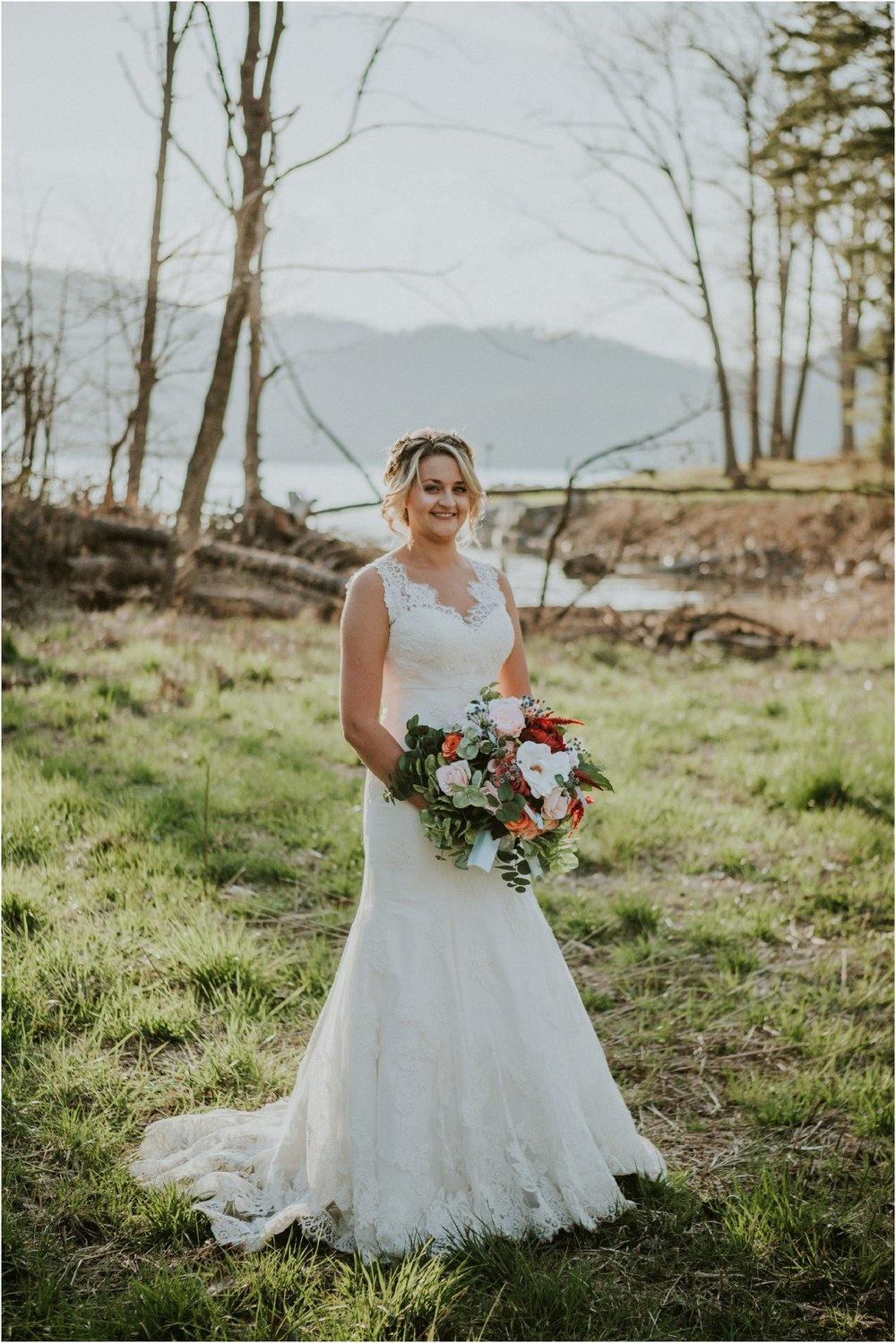 watauga-lake--bohemian-bridal-styled-session-northeast-tennessee-wedding-elopement-photography_0003.jpg