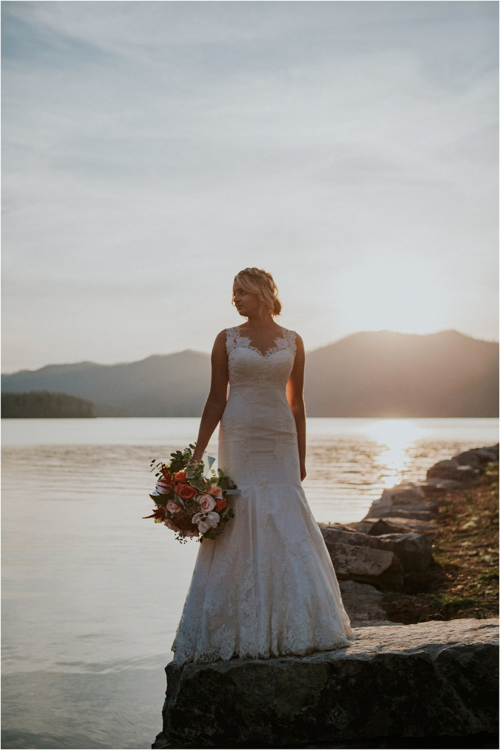 watauga-lake--bohemian-bridal-styled-session-northeast-tennessee-wedding-elopement-photography_0009.jpg