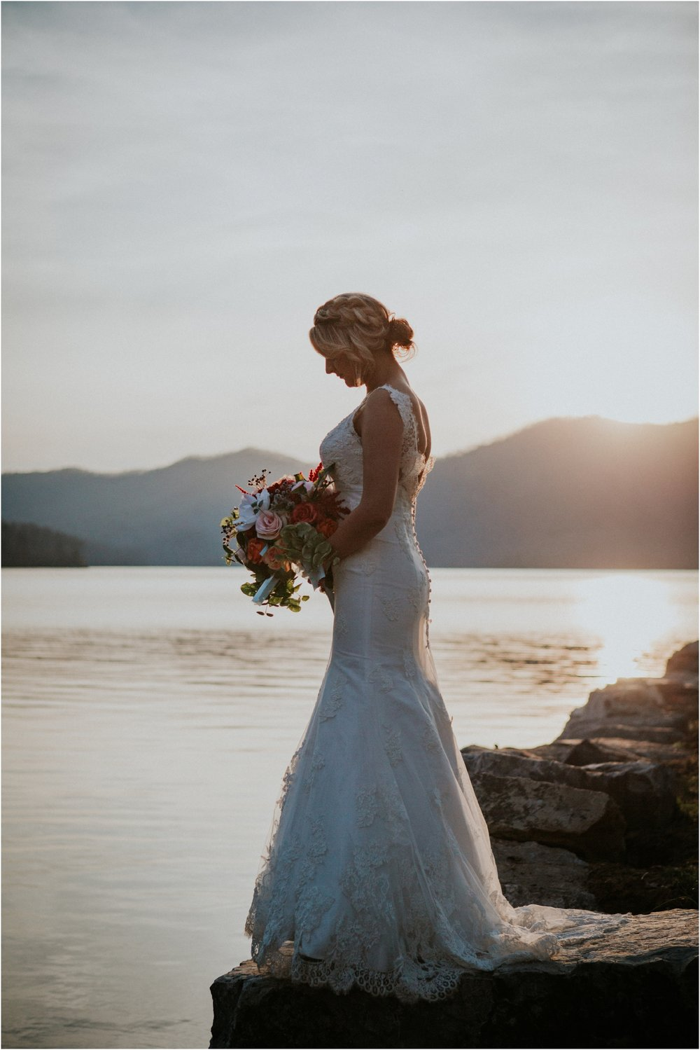 watauga-lake--bohemian-bridal-styled-session-northeast-tennessee-wedding-elopement-photography_0011.jpg