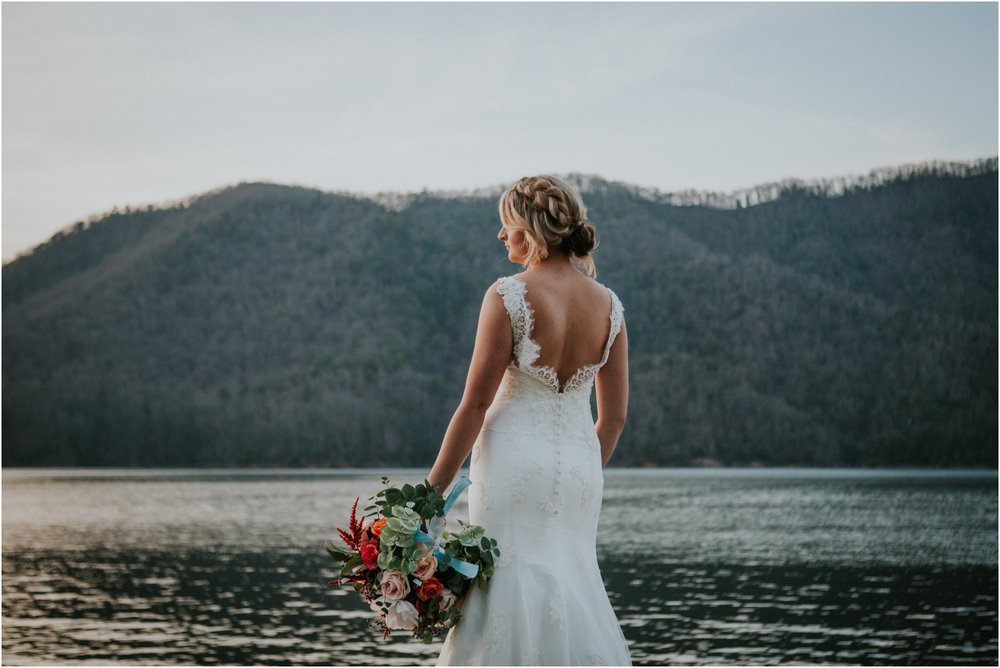 watauga-lake--bohemian-bridal-styled-session-northeast-tennessee-wedding-elopement-photography_0014.jpg