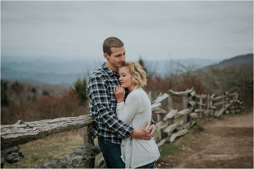 grayson-highlands-engagement-session-foggy-mountain-rustic-appalachian-virginia-katy-sergent-photography_0005.jpg