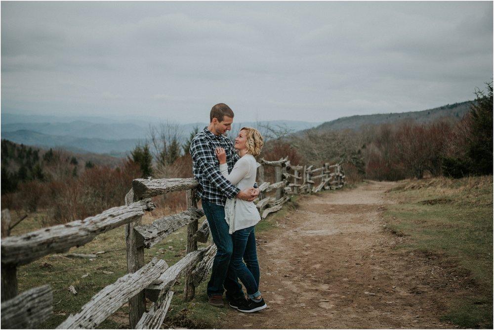 grayson-highlands-engagement-session-foggy-mountain-rustic-appalachian-virginia-katy-sergent-photography_0004.jpg