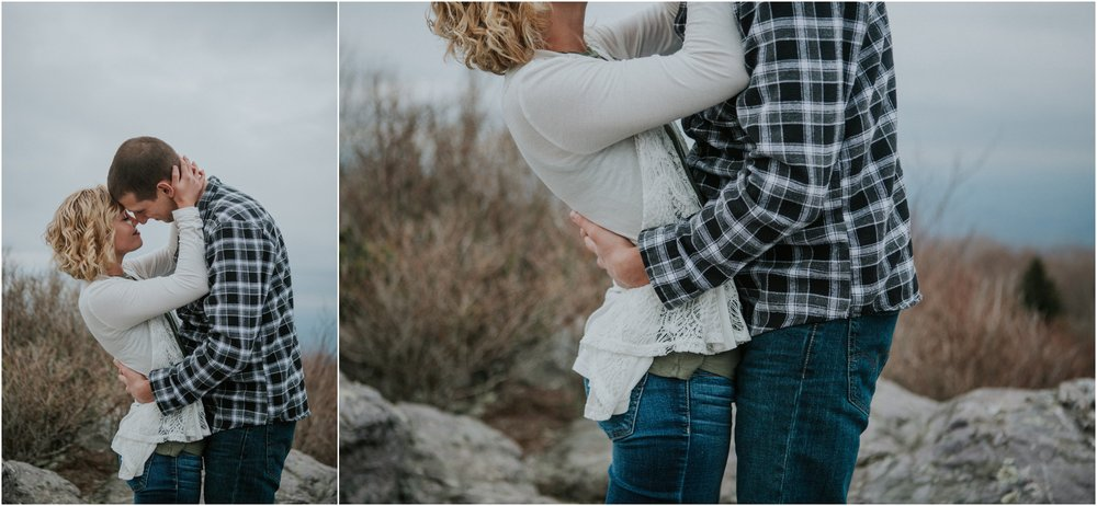 grayson-highlands-engagement-session-foggy-mountain-rustic-appalachian-virginia-katy-sergent-photography_0013.jpg