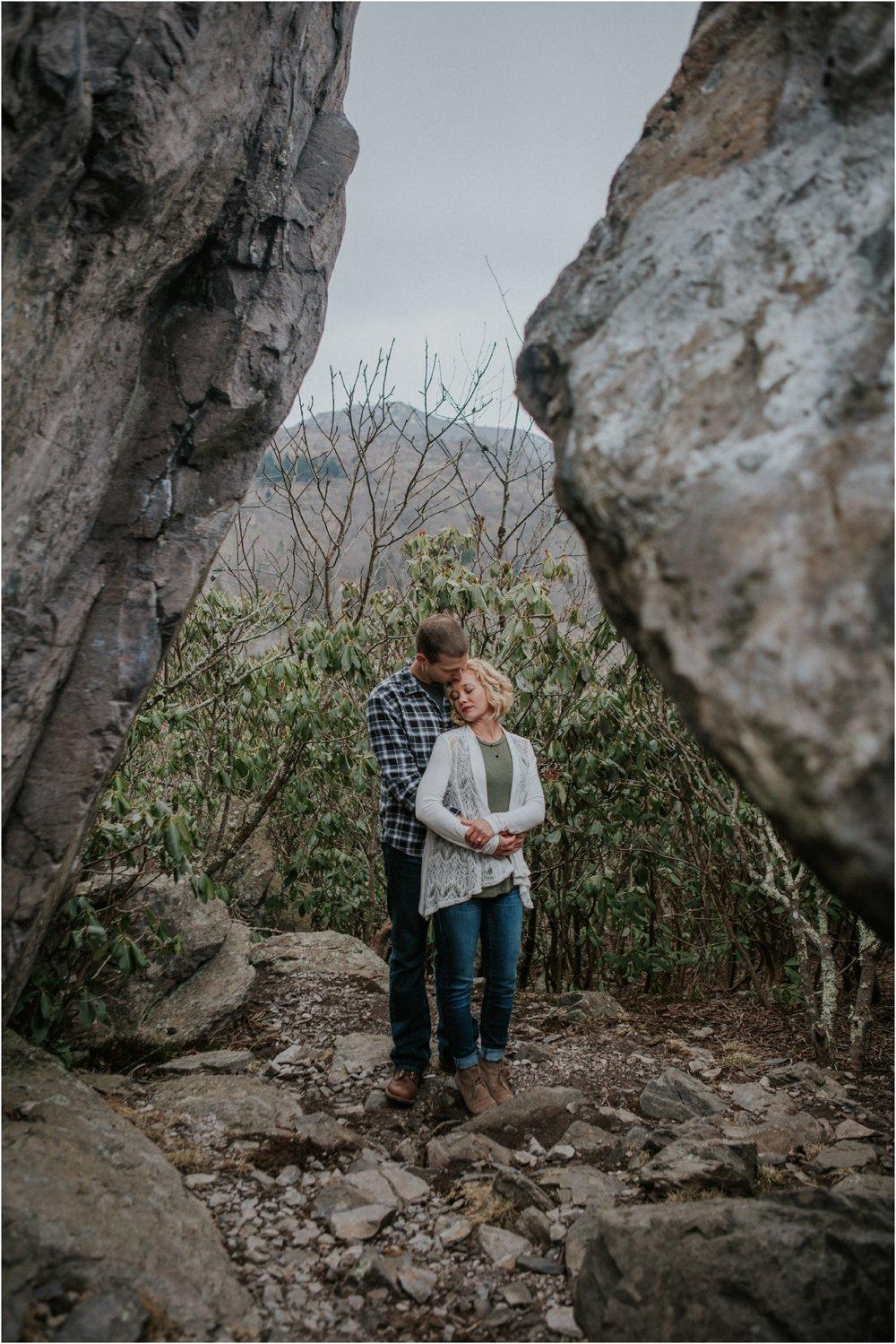 grayson-highlands-engagement-session-foggy-mountain-rustic-appalachian-virginia-katy-sergent-photography_0017.jpg