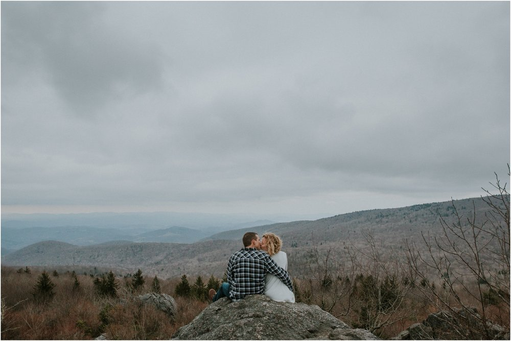 grayson-highlands-engagement-session-foggy-mountain-rustic-appalachian-virginia-katy-sergent-photography_0040.jpg
