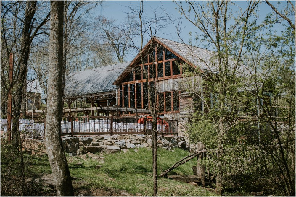 millstone-limestone-tn-tennessee-rustic-outdoors-pastel-lodge-cabin-venue-wedding-katy-sergent-photographer_0001.jpg