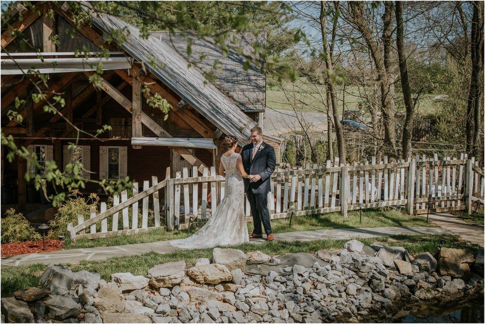 millstone-limestone-tn-tennessee-rustic-outdoors-pastel-lodge-cabin-venue-wedding-katy-sergent-photographer_0044.jpg