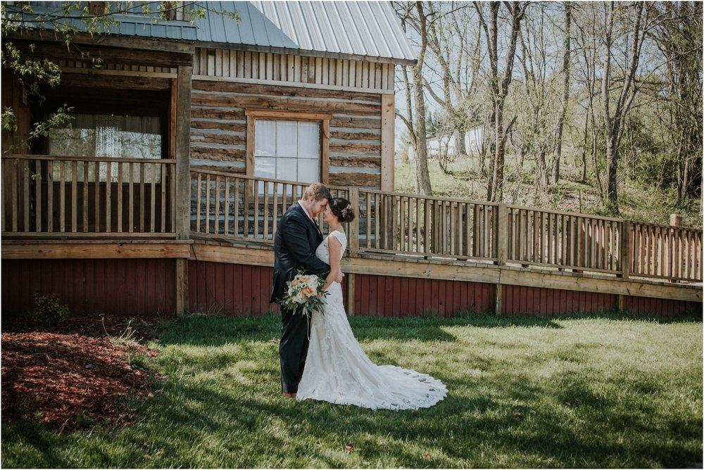 millstone-limestone-tn-tennessee-rustic-outdoors-pastel-lodge-cabin-venue-wedding-katy-sergent-photographer_0054.jpg