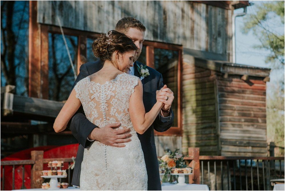 millstone-limestone-tn-tennessee-rustic-outdoors-pastel-lodge-cabin-venue-wedding-katy-sergent-photographer_0150.jpg