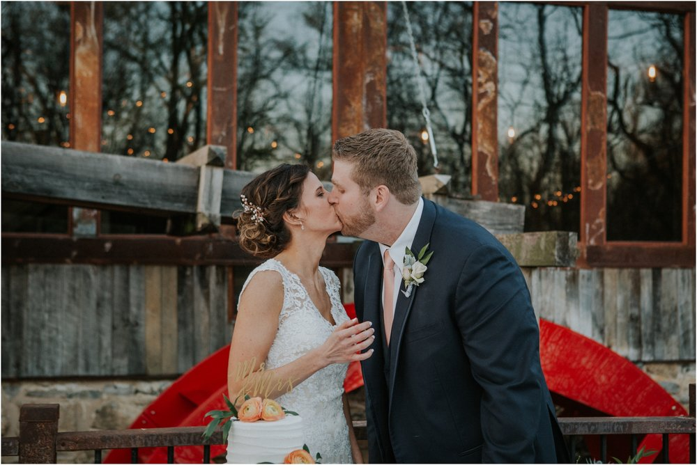 millstone-limestone-tn-tennessee-rustic-outdoors-pastel-lodge-cabin-venue-wedding-katy-sergent-photographer_0168.jpg