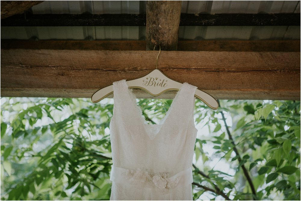 the-millstone-limestone-rustic-intimate-outdoors-backyard-wedding-wildflowers-tennessee_0007.jpg