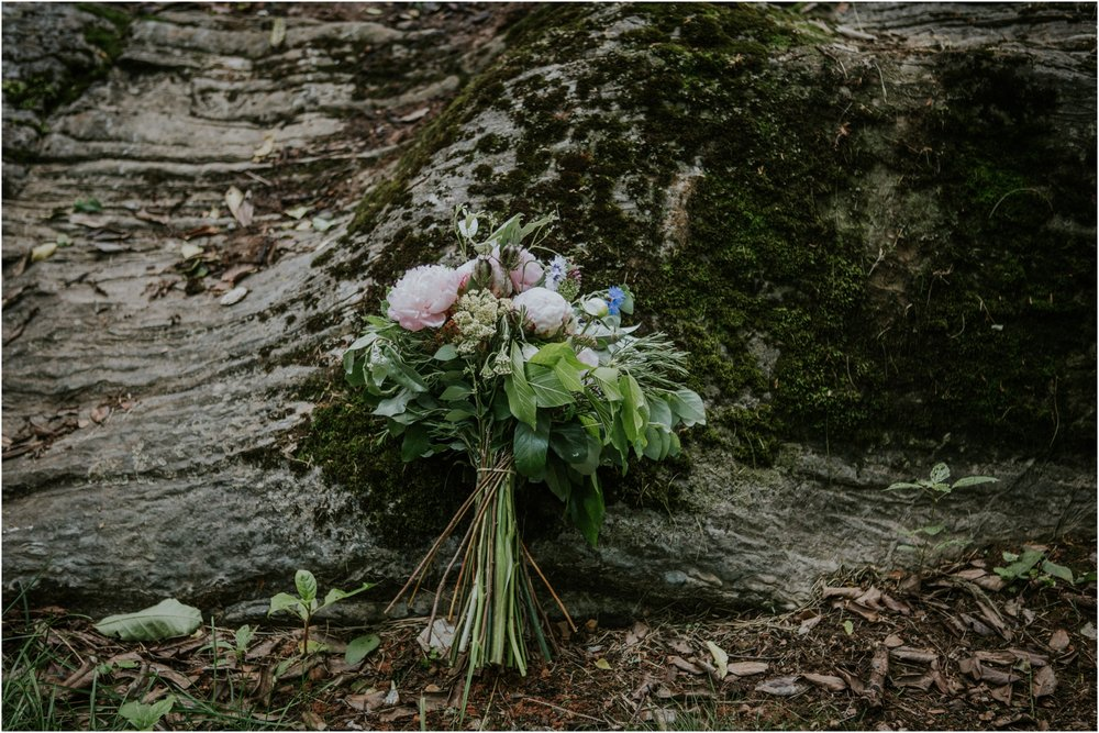 the-millstone-limestone-rustic-intimate-outdoors-backyard-wedding-wildflowers-tennessee_0013.jpg