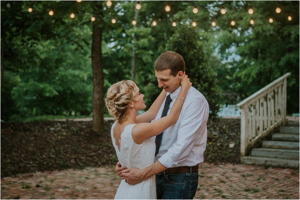 the-millstone-limestone-rustic-intimate-outdoors-backyard-wedding-wildflowers-tennessee_0108.jpg