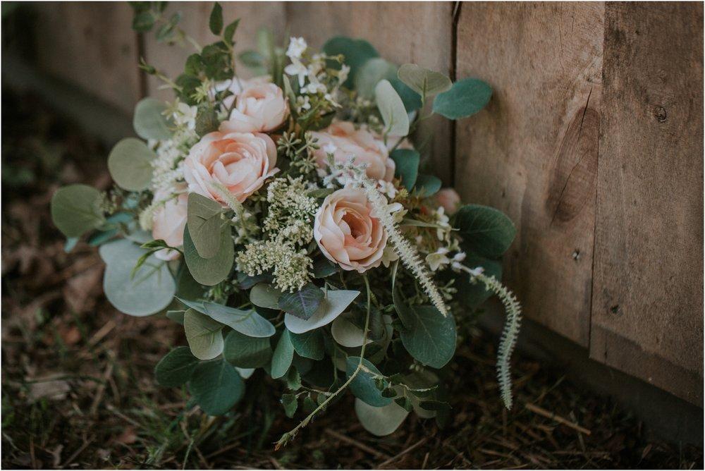 pink-rustic-apple-barn-howe-farms-elegant-summer-wedding-cleveland-tennessee-chattanooga-georgetown-tn_0023.jpg