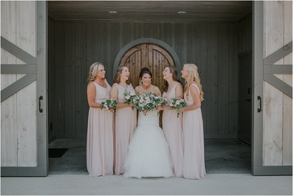 pink-rustic-apple-barn-howe-farms-elegant-summer-wedding-cleveland-tennessee-chattanooga-georgetown-tn_0045.jpg