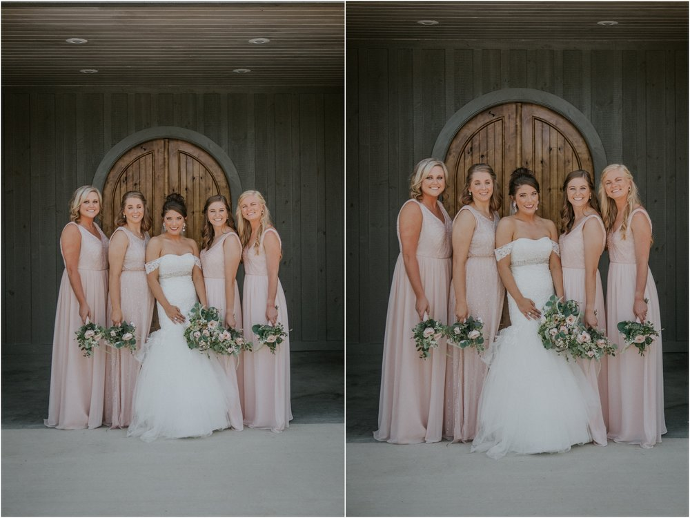 pink-rustic-apple-barn-howe-farms-elegant-summer-wedding-cleveland-tennessee-chattanooga-georgetown-tn_0046.jpg