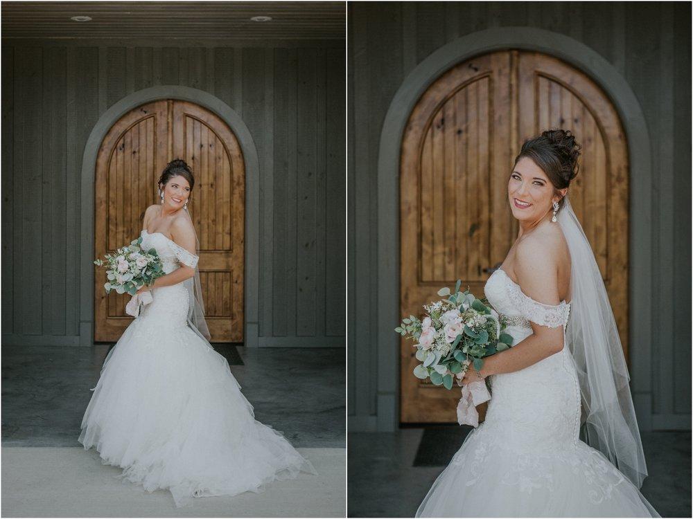pink-rustic-apple-barn-howe-farms-elegant-summer-wedding-cleveland-tennessee-chattanooga-georgetown-tn_0056.jpg