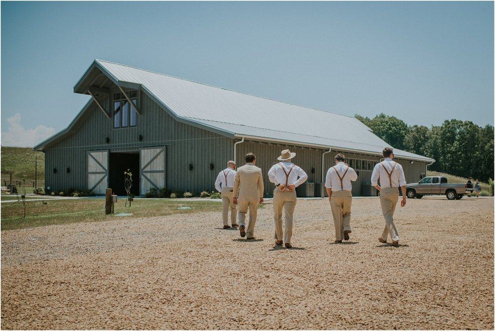 pink-rustic-apple-barn-howe-farms-elegant-summer-wedding-cleveland-tennessee-chattanooga-georgetown-tn_0070.jpg