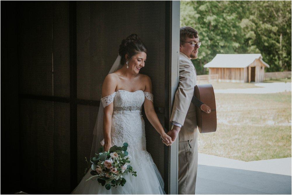 pink-rustic-apple-barn-howe-farms-elegant-summer-wedding-cleveland-tennessee-chattanooga-georgetown-tn_0078.jpg