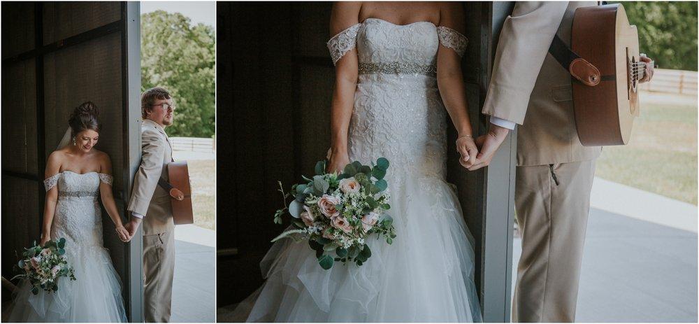 pink-rustic-apple-barn-howe-farms-elegant-summer-wedding-cleveland-tennessee-chattanooga-georgetown-tn_0079.jpg