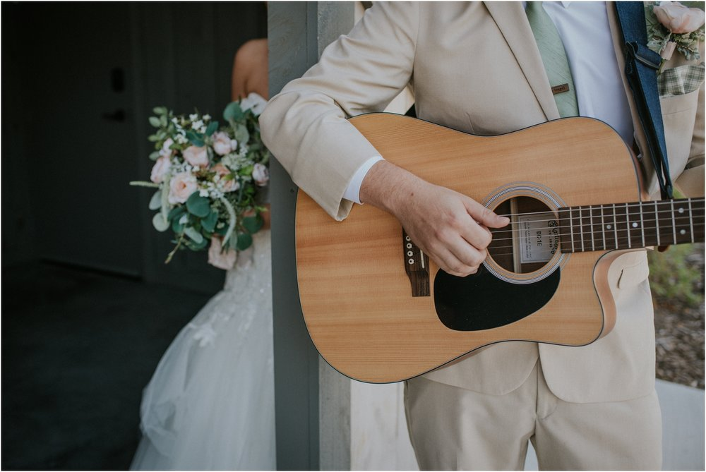 pink-rustic-apple-barn-howe-farms-elegant-summer-wedding-cleveland-tennessee-chattanooga-georgetown-tn_0083.jpg