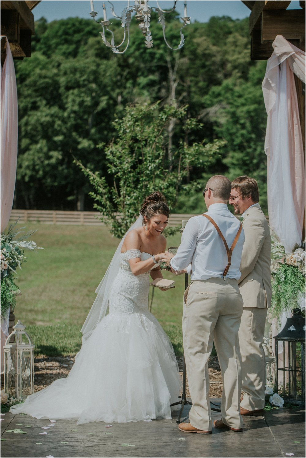 pink-rustic-apple-barn-howe-farms-elegant-summer-wedding-cleveland-tennessee-chattanooga-georgetown-tn_0114.jpg