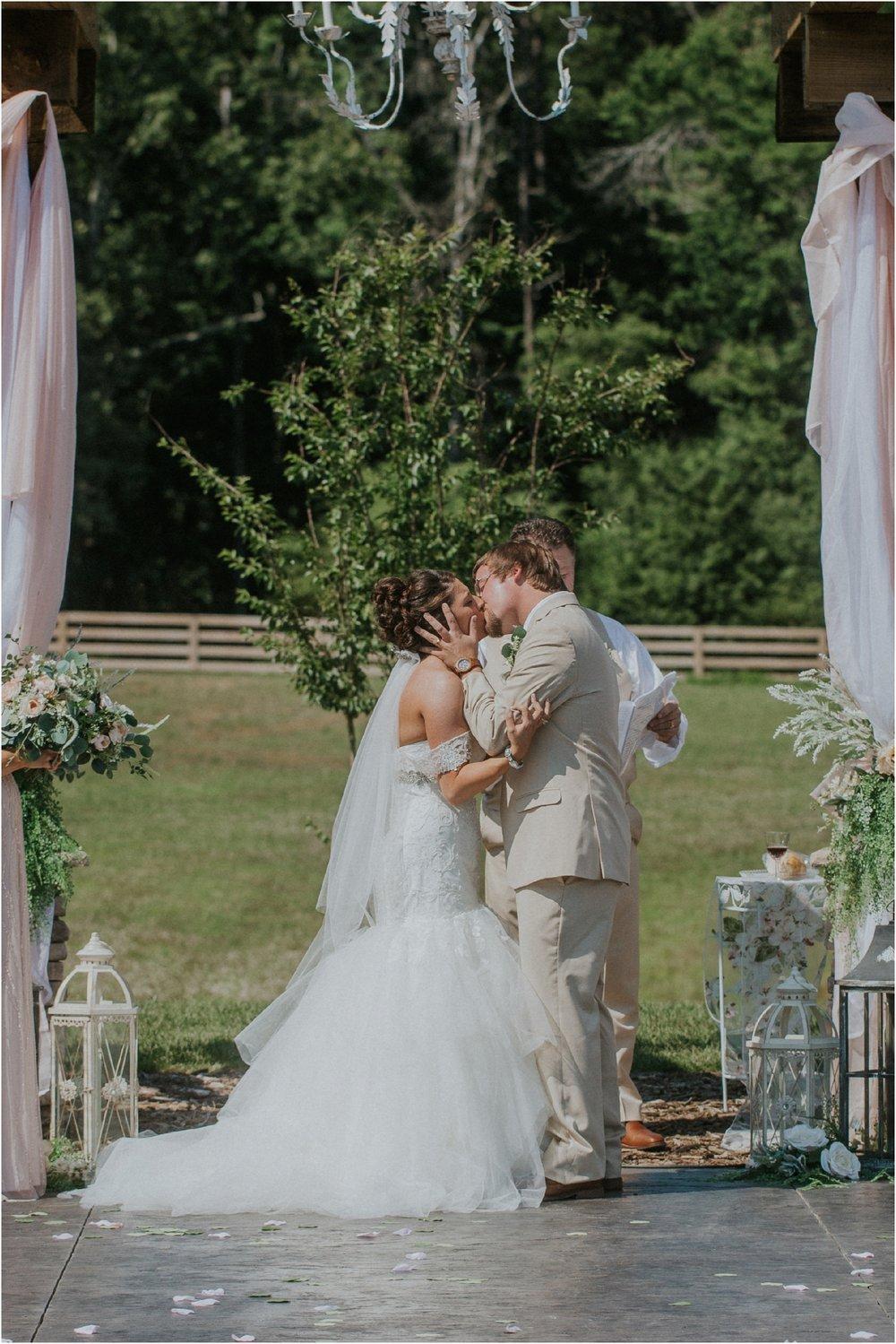 pink-rustic-apple-barn-howe-farms-elegant-summer-wedding-cleveland-tennessee-chattanooga-georgetown-tn_0126.jpg