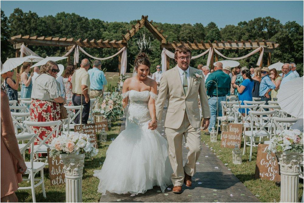 pink-rustic-apple-barn-howe-farms-elegant-summer-wedding-cleveland-tennessee-chattanooga-georgetown-tn_0130.jpg