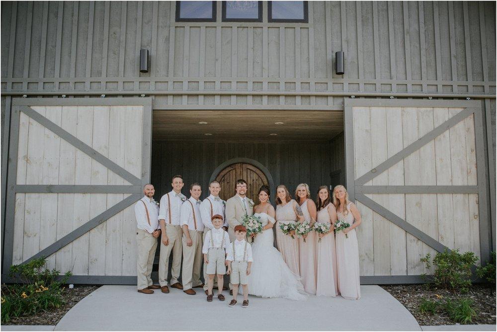 pink-rustic-apple-barn-howe-farms-elegant-summer-wedding-cleveland-tennessee-chattanooga-georgetown-tn_0131.jpg