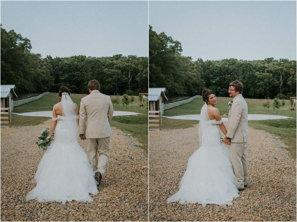 pink-rustic-apple-barn-howe-farms-elegant-summer-wedding-cleveland-tennessee-chattanooga-georgetown-tn_0138.jpg
