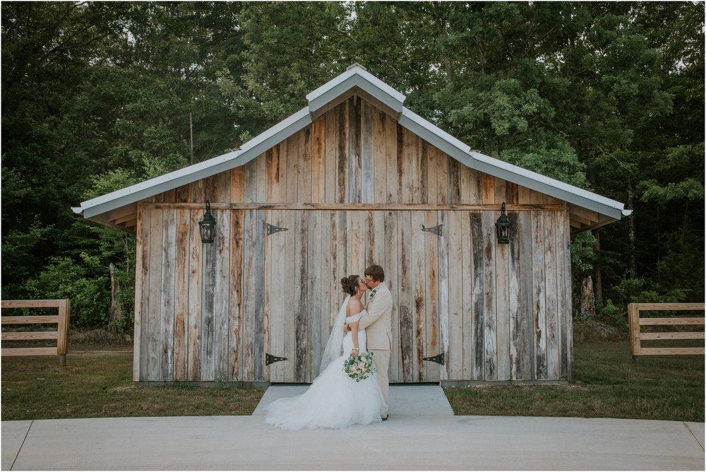 pink-rustic-apple-barn-howe-farms-elegant-summer-wedding-cleveland-tennessee-chattanooga-georgetown-tn_0140.jpg