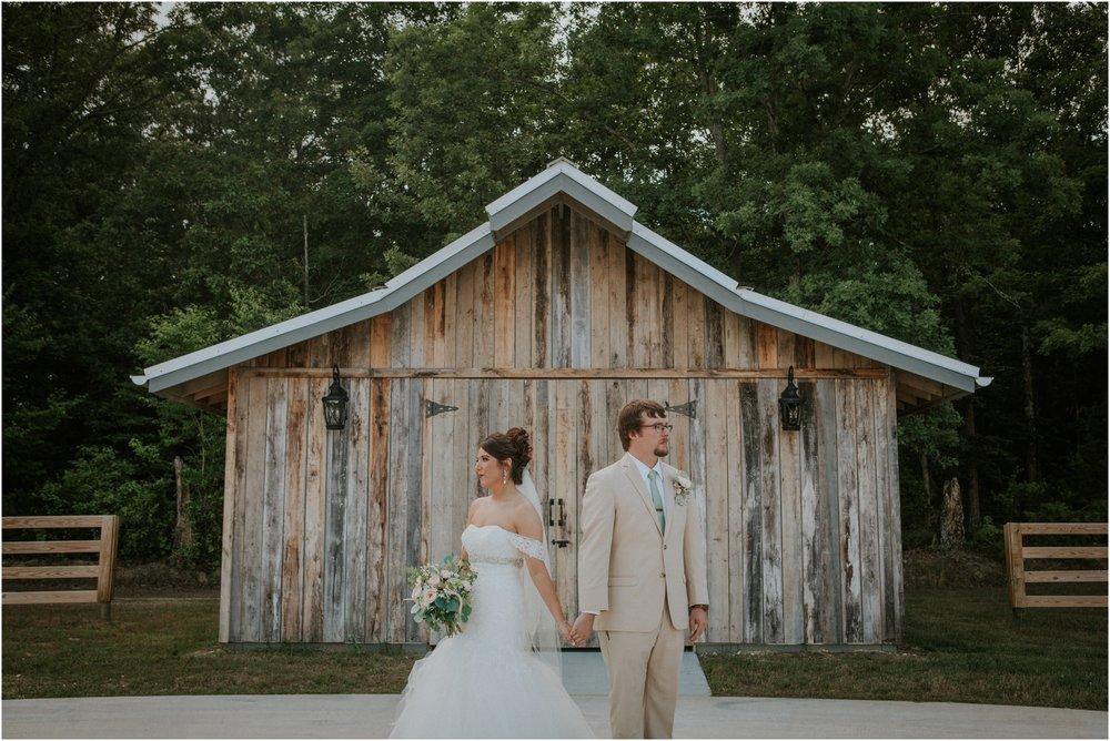 pink-rustic-apple-barn-howe-farms-elegant-summer-wedding-cleveland-tennessee-chattanooga-georgetown-tn_0142.jpg