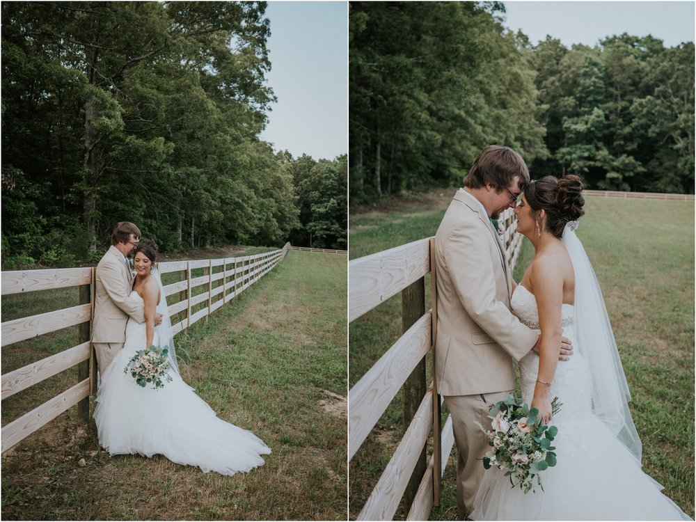pink-rustic-apple-barn-howe-farms-elegant-summer-wedding-cleveland-tennessee-chattanooga-georgetown-tn_0144.jpg