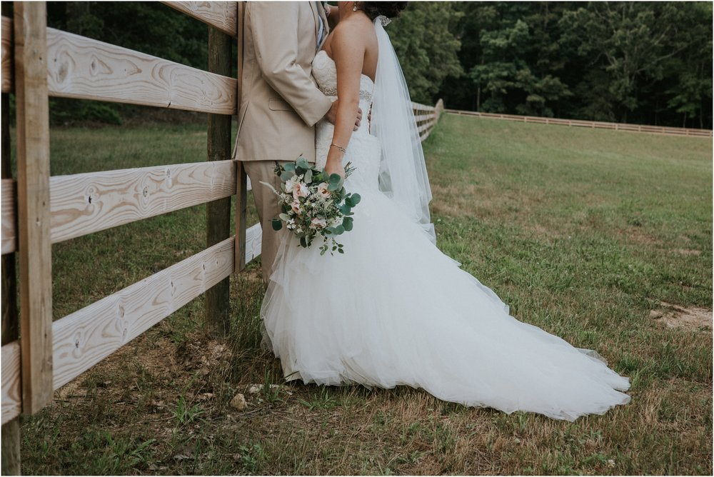 pink-rustic-apple-barn-howe-farms-elegant-summer-wedding-cleveland-tennessee-chattanooga-georgetown-tn_0145.jpg