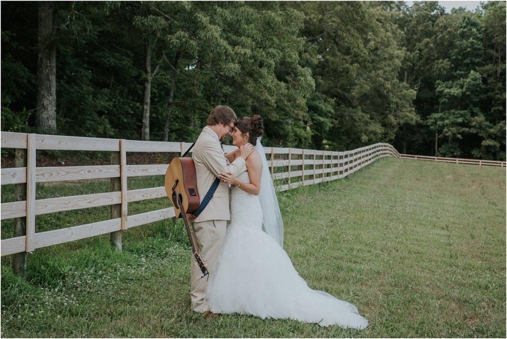 pink-rustic-apple-barn-howe-farms-elegant-summer-wedding-cleveland-tennessee-chattanooga-georgetown-tn_0147.jpg