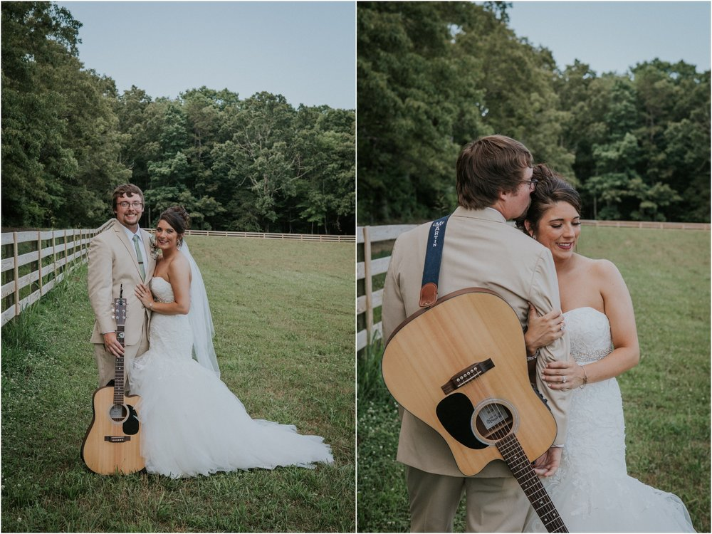pink-rustic-apple-barn-howe-farms-elegant-summer-wedding-cleveland-tennessee-chattanooga-georgetown-tn_0150.jpg