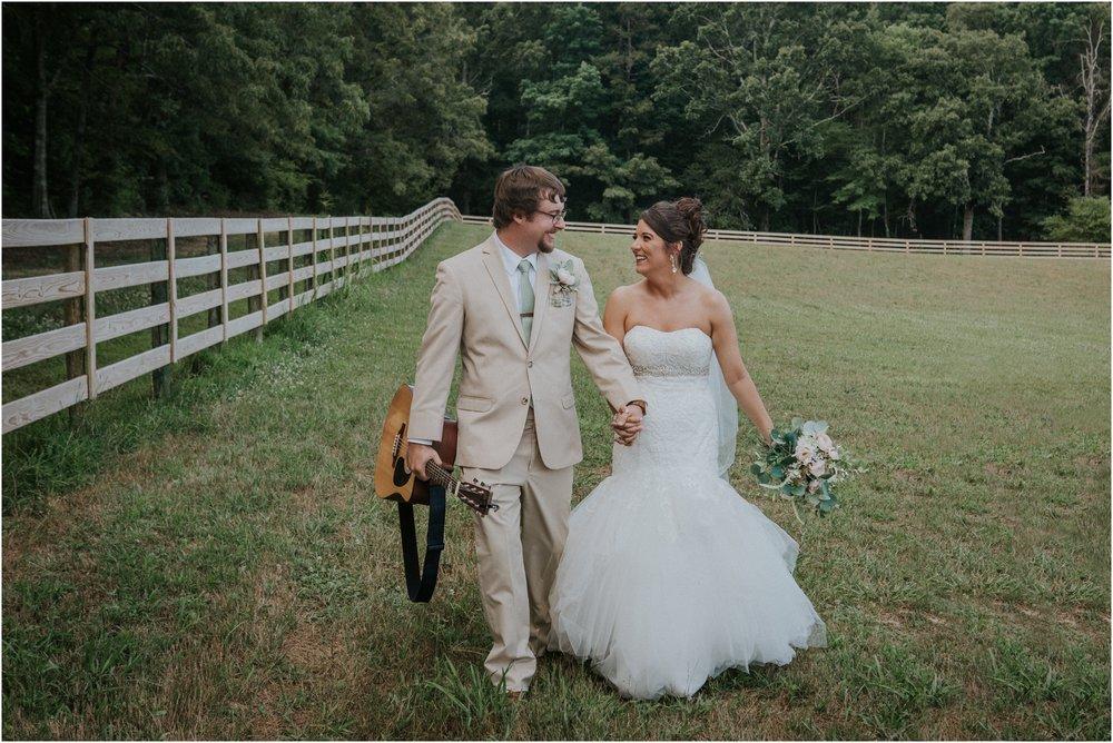 pink-rustic-apple-barn-howe-farms-elegant-summer-wedding-cleveland-tennessee-chattanooga-georgetown-tn_0152.jpg