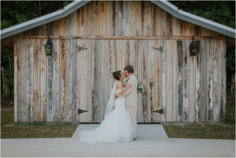 pink-rustic-apple-barn-howe-farms-elegant-summer-wedding-cleveland-tennessee-chattanooga-georgetown-tn_0141.jpg