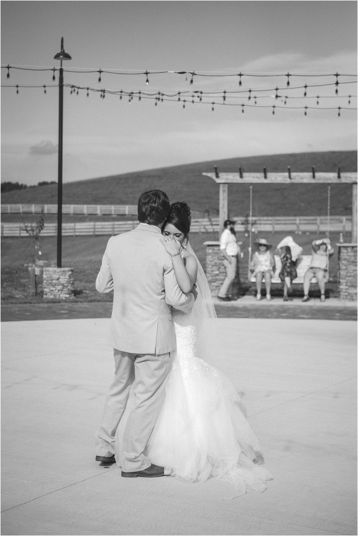 pink-rustic-apple-barn-howe-farms-elegant-summer-wedding-cleveland-tennessee-chattanooga-georgetown-tn_0167.jpg