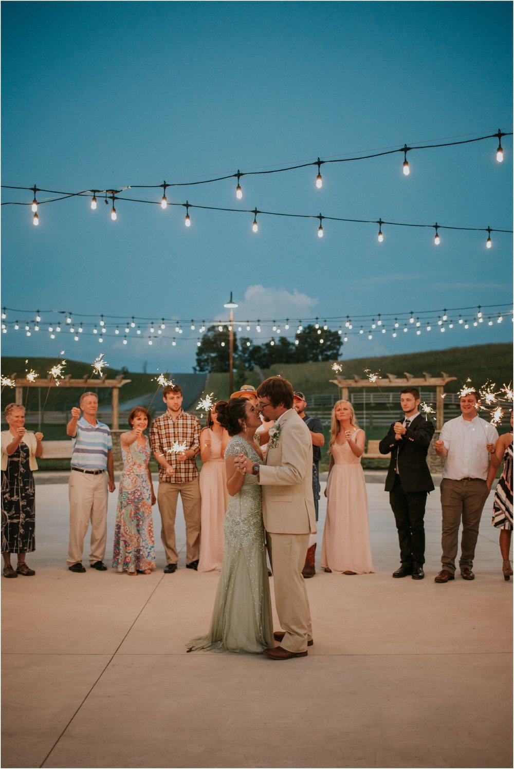 pink-rustic-apple-barn-howe-farms-elegant-summer-wedding-cleveland-tennessee-chattanooga-georgetown-tn_0180.jpg