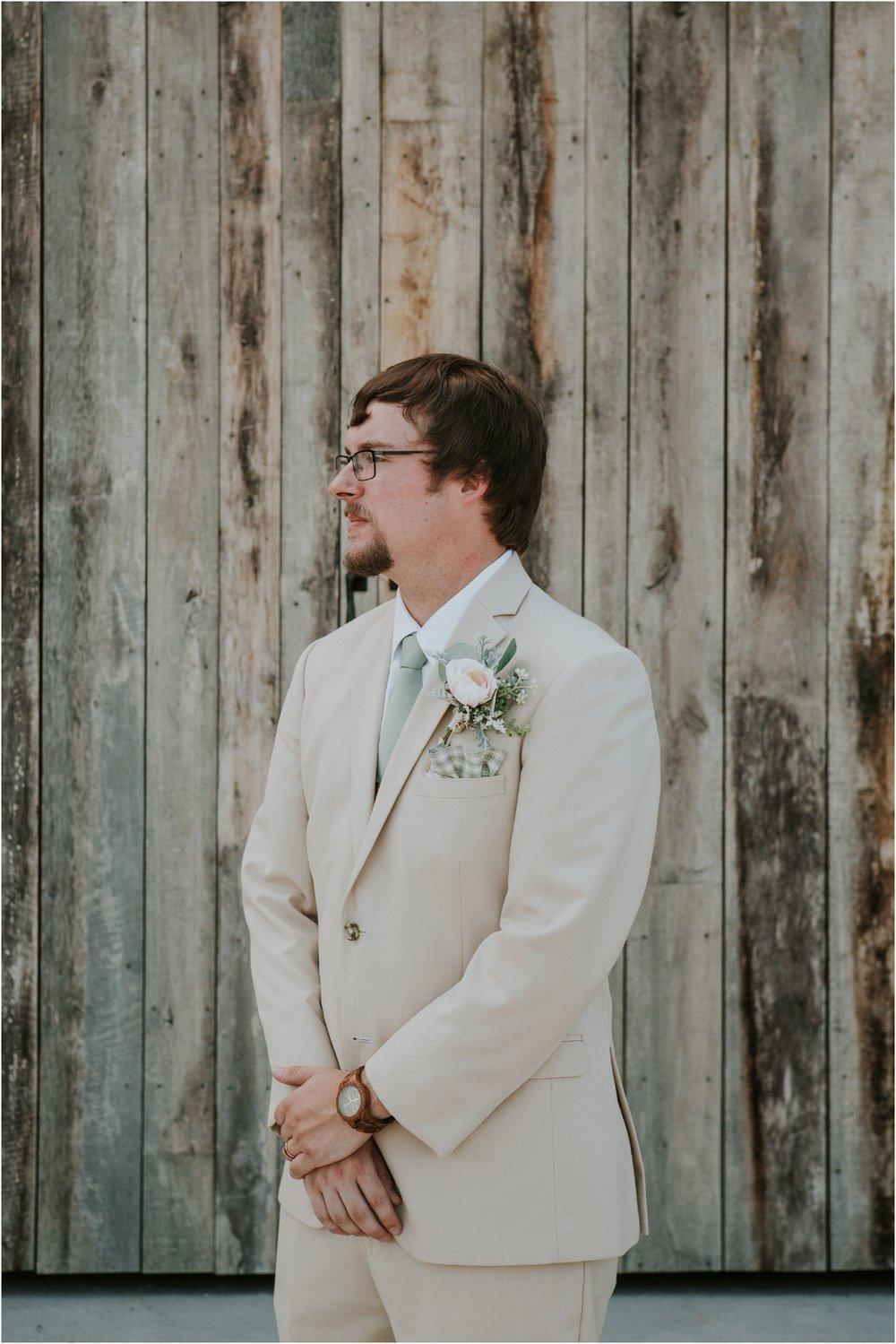 pink-rustic-apple-barn-howe-farms-elegant-summer-wedding-cleveland-tennessee-chattanooga-georgetown-tn_0185.jpg