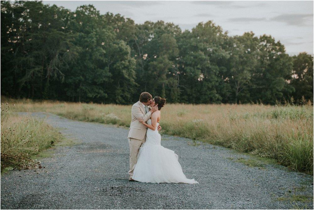 pink-rustic-apple-barn-howe-farms-elegant-summer-wedding-cleveland-tennessee-chattanooga-georgetown-tn_0189.jpg