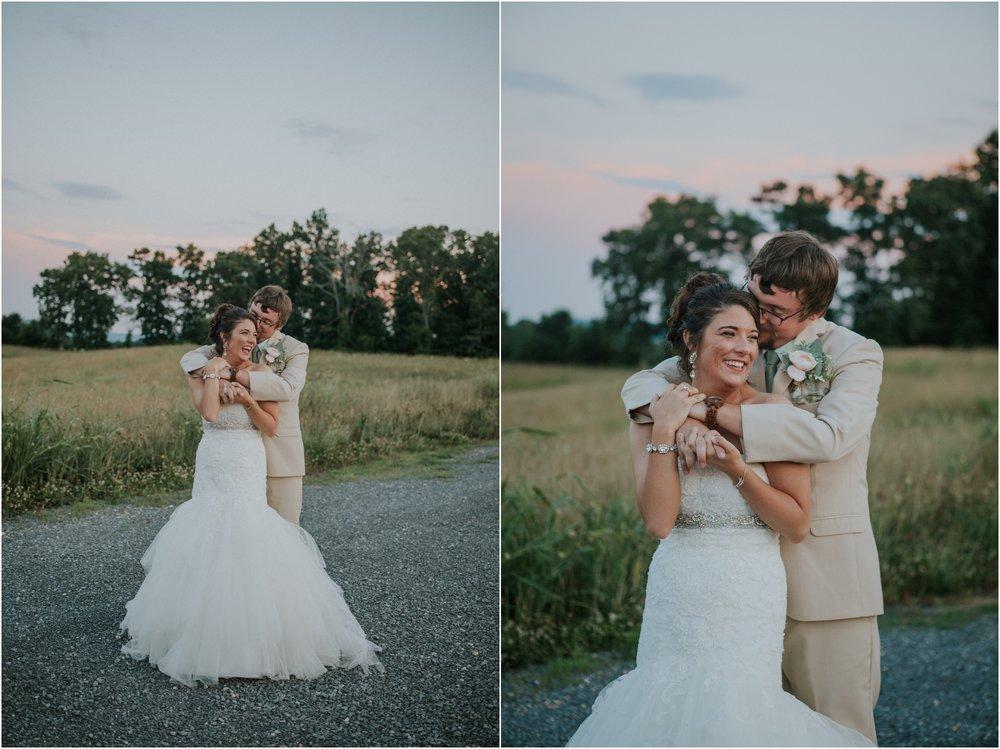 pink-rustic-apple-barn-howe-farms-elegant-summer-wedding-cleveland-tennessee-chattanooga-georgetown-tn_0193.jpg